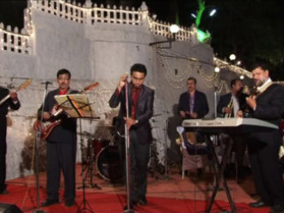 Live band with music of the 70's and 80's. Just right for a wedding.